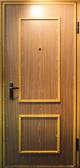 дверь железная 2000 рублей
